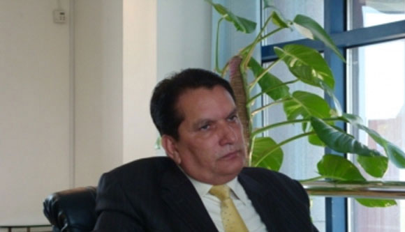Chairman barred by Supreme Court still running PEMRA, calls meeting