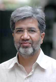 Ansar Abbasi receives e-mail threat